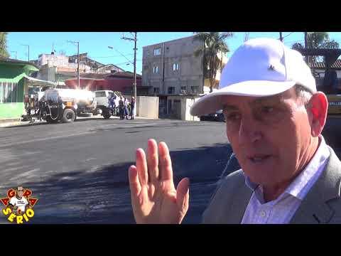 Prefeito Ayres Scorsatto fiscaliza de perto a pavimentação no centro antigo de Juquitiba e promete partir para o Distrito do Barnabés