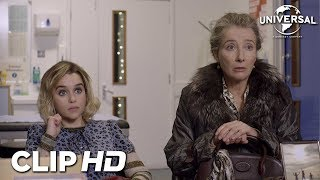 "Universal Pictures LAS CHRISTMAS - Clip 3 ""Petra contradice a Kate"" anuncio"
