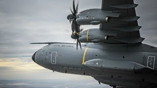 preview picture of video 'A400M City of Bristol fly past over Clifton Suspension Bridge and Airbus, Filton'