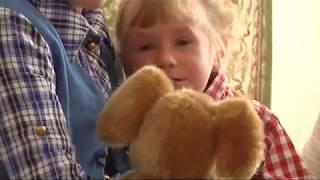 На Прикарпатті батьки морили голодом та споювали маленьку дитину