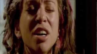 Ani DiFranco performs 'Do Re Mi' & 'To The Teeth' from Freedom Highway (2000)