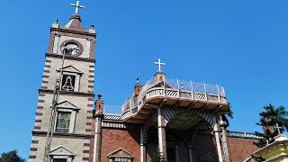 preview picture of video 'Bandel Church near Kolkata in Hooghly - Inside & Outside View of Basilica of the Holy Rosary Church'