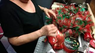 #5 Deco Mesh Christmas Wreath Using The Ruffle Method