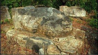 Bí ẩn ngôi mộ cổ bị xiềng ở Tiền Giang