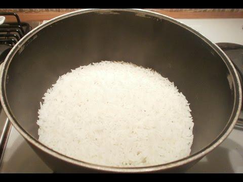 Tecnica di cottura del riso basmati in bianco