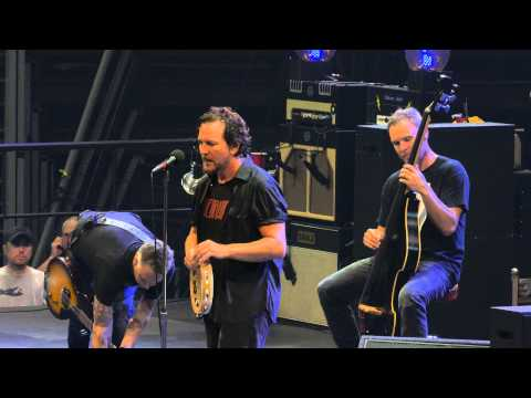 Pearl Jam - Indifference - Detroit (October 16, 2014) (4K)