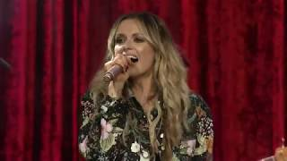"Carly Pearce   ""Hide The Wine""   Front And Center"