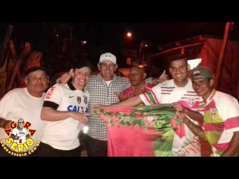 Léo da Jk feliz com a presença do Pré - Candidato Ayres Scorsatto no churrasco do Fanáticos Futebol Clube no Bar do Jojoba na Favela do Justinos