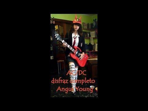 Disfraz ACDC con guitarra de carton piedra