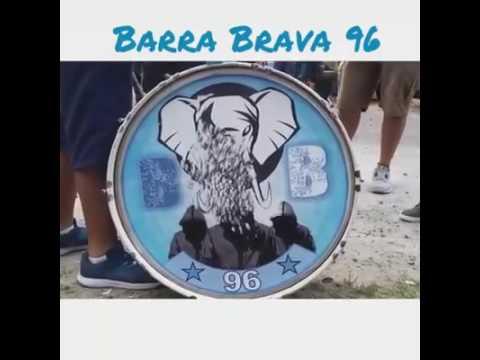 """Zope yo te vi correr"" Barra: La Ultra Blanca y Barra Brava 96 • Club: Alianza"
