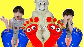 Learn Colors For Kids With Feet Painting, Finger Family Songs Nursery Rhymes For Children