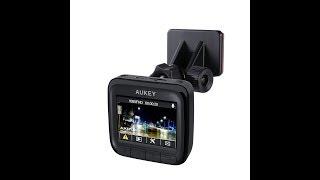 Autokamera 1080P Dashcam AUKEY DR01 170° Weitwinkel, Bewegungserkennung und Super Nachtsicht