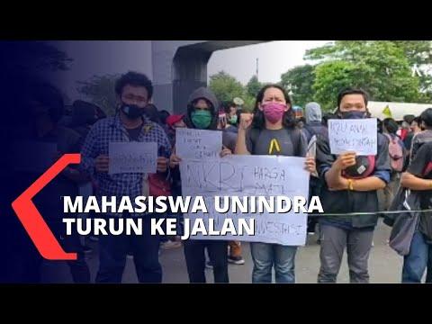 mahasiswa demo tolak omnibuslaw tanpa menjaga jarak