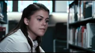 """""""Skowyt odrodzenie""""-W przeddzień zakończenia szkoły średniej, niczym nie wyróżniający się Will Kidman (Landon Liboiron) wreszcie zaczyna spotykać się z dziewczyną, której od dawna pragnął, Elianą Wynter (Lindsey Shaw). Odkrywa także mroczny sekret ze…."""