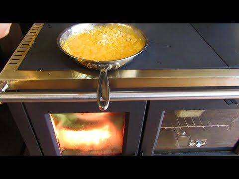 North Wood Cookstove - Cooking with the Cooktop