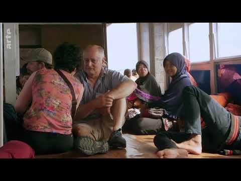 Indonésie la puissance, l'islam et la démocratie 1/2 :  Le géant invisible - Arte