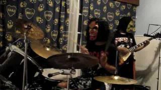 preview picture of video 'Los Monstruos de Acero'