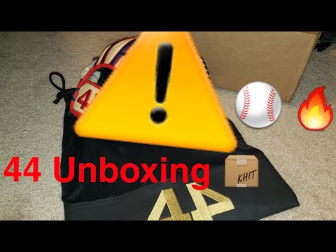 Unboxing My Custom 44 Pro Signature Series Glove [Glove Review]