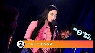 Kacey Musgraves - Somewhere Only We Know (Radio 2 Piano Room)