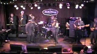 Groove Buffet - Soul man - Hold on I'm Coming  Live at BB Kings in NYC New Years Day 2010