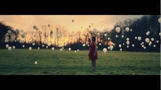 Renée - Dum Dum Dum (Official Music Video)