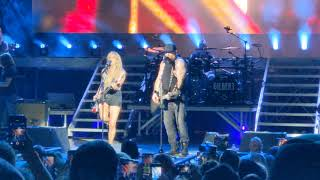 Brantley Gilbert Live - What Happens In A Small Town