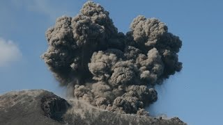 Explosionen am Krakatau