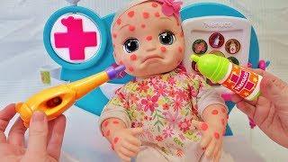 Куклы Пупсики Беби Элайв Алиса заболела ветрянкой/доктор приезжает на дом и лечит малышку/Зырики ТВ