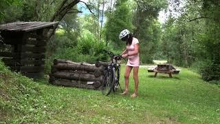Radfahren im Minikleid