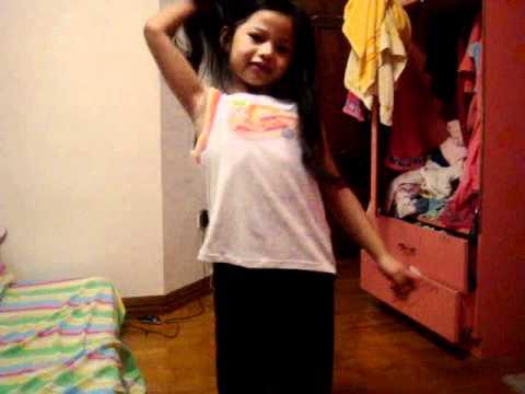 modelling little girls