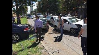 Массовая авария в Ставрополе: водители бросились на виновника ДТП