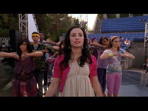 20 фильмов похожих на Camp Rock 2 Отчетный концерт  2010. Молодежные фильмы про подростков и школу