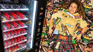 Yiyecek Makinesindeki Her Şeyi Satın Al Challenge!
