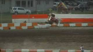 preview picture of video 'Ohsweken Speedway June 5 2009'