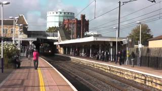 preview picture of video 'Railways - Stopping Trains - Southall'
