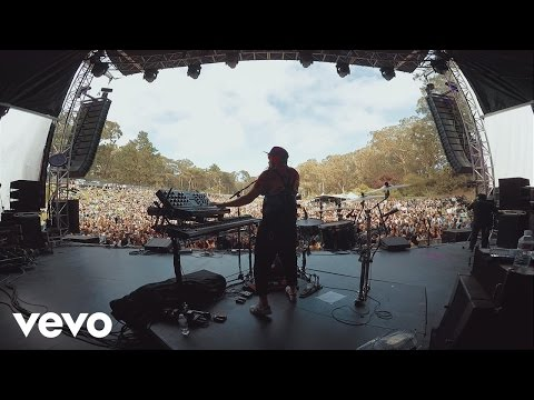 Far Cry (Official Live Video)