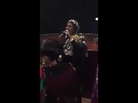فيديو حفلة للفنانة انصاف مدني في مدينة جوبا .. هجيج ورقص جنوب سوداني