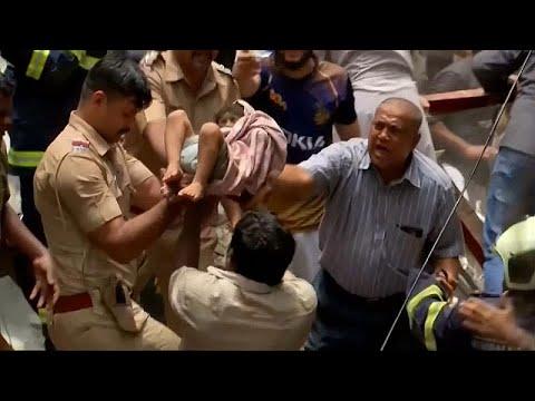 Ινδία: Νεκροί και δεκάδες εγκλωβισμένοι από κατάρρευση κτιρίου…