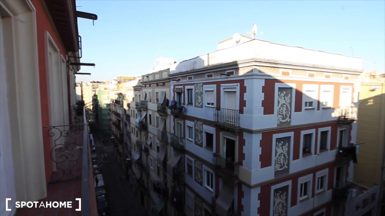 Spacious, stylish 2-bedroom apartment for rent in Poble Sec