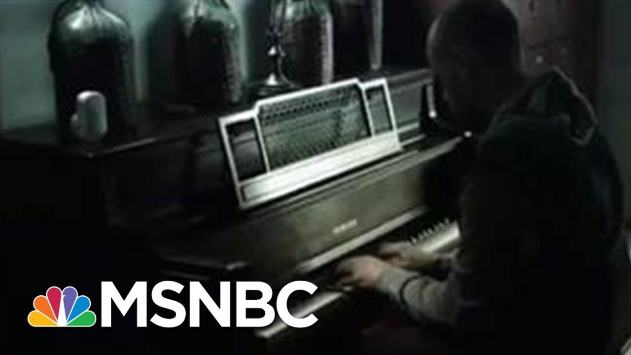 Man Playing Piano Amid Flood: Video 'Struck a Chord' | MSNBC thumbnail