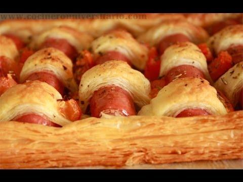 Hojaldre con Salchichas y Tomate