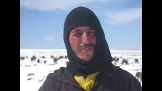 preview picture of video 'tinghir تنغير: نداء ومعاناة الرحل مع الثلوج'