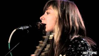 "Hot Sessions: Christina Perri ""Tragedy"""