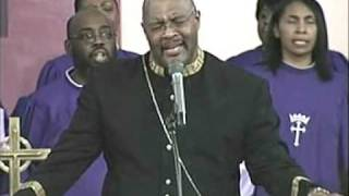 Pastor Marvin Winans sings Well Done