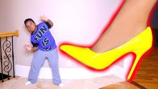GIANT SHOE vs Tiny Shiloh! - Shasha Onyx Kids