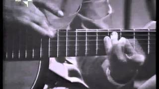 Vittorio Camardese guitar tapping in 1965 Video