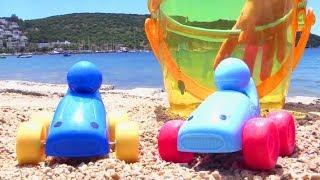 Видео для детей про Машинки - Завтрак на пляже - Песочница