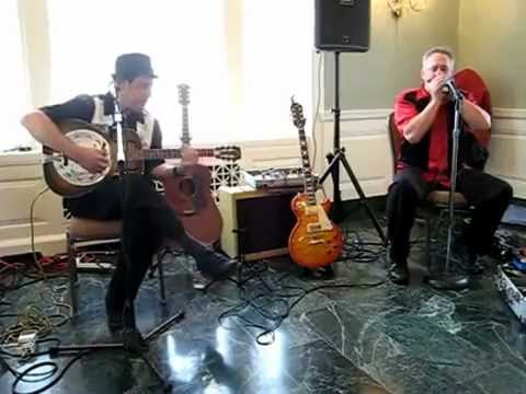 Can't Be Satisfied performed by Delectrified (Brian Gross & Roger Edsall) inside the Rockville Mansion