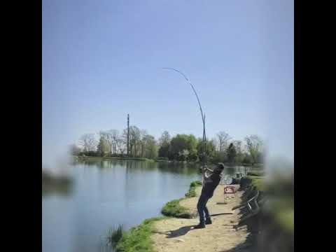 Il fazzoletto per pescare da una grata