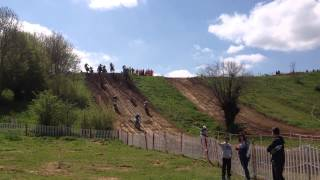 preview picture of video 'MotoCross Avesnes Sur Helpe 5 Mai 2013 MX2'